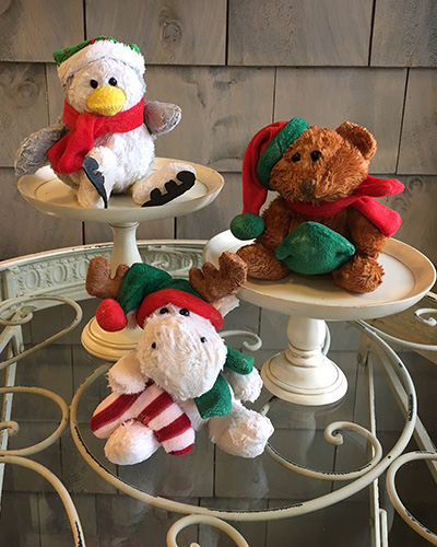 Balsam Fir,Cranberry Garland,Peppermint <br />Bear,Penguin,Moose