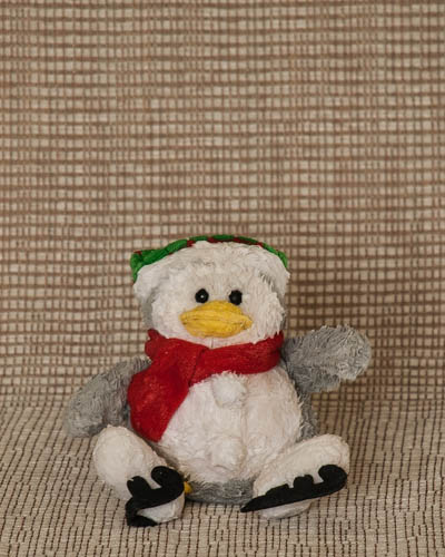 Cranberry Garland  <br />Festive Penguin