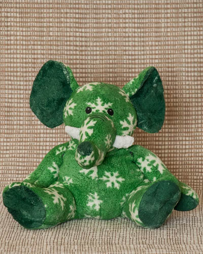 Cranberry Garland <br /> Snowflake Green Elephant